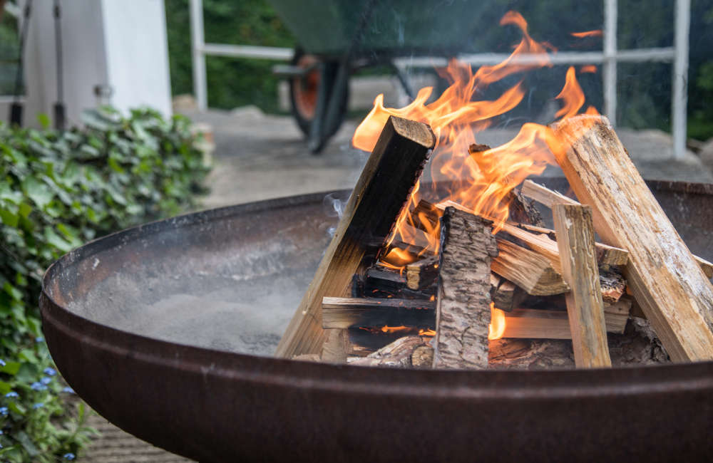 How to clean a fire pit?