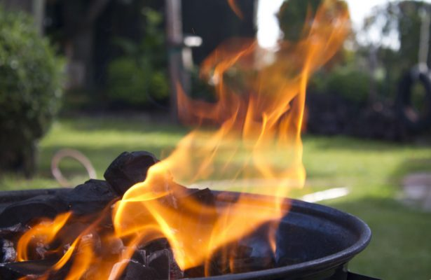 How to stop a fire pit smoking
